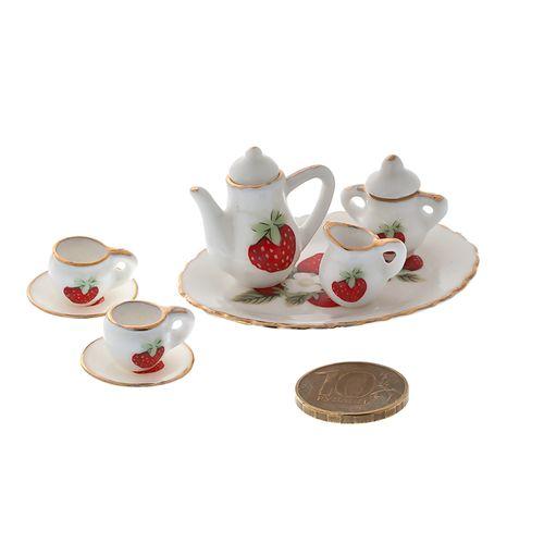 Набор фарфора миниатурный чайный, 8 предметов Клубника