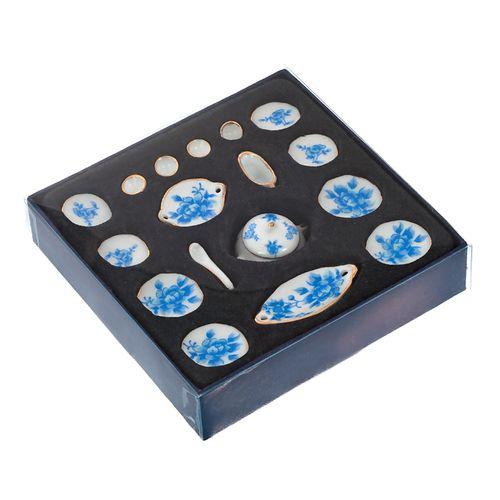 Набор фарфора миниатурный обеденный, 17 предметов Голубые цветы