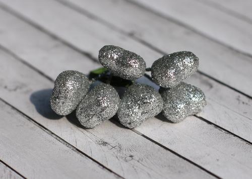 Сердечки серебряные в глиттере, 6шт