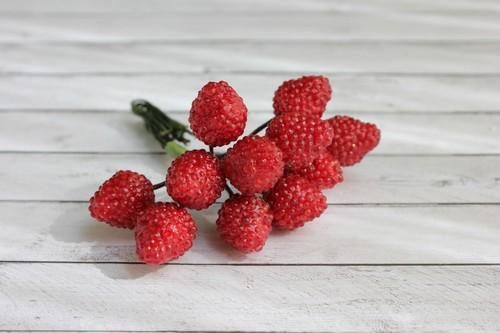 Букетик с ягодками-малинками, 1 шт