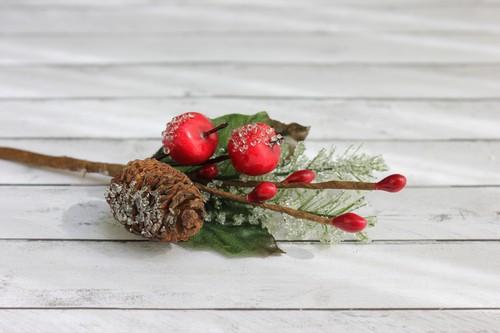 Зимняя веточка с еловой шишечкой, 1 шт